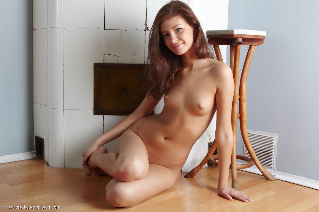 Amateur brunette mature milf hairy pussy